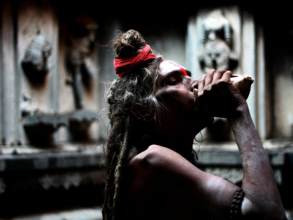 Sadhu-Dressed-as-Shiva